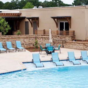 2017-05_Country_Club_Pool_01_1628_small